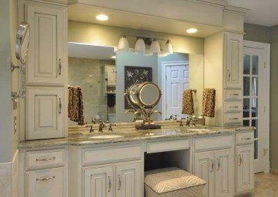 Bathroom with vanity 2