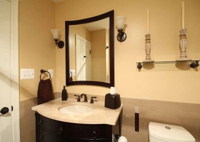 Black and cream bathroom